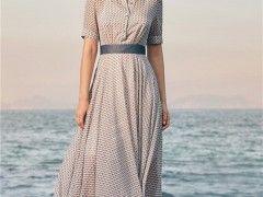 阿莱贝琳夏天女装清爽穿搭 将自身的风韵穿出来