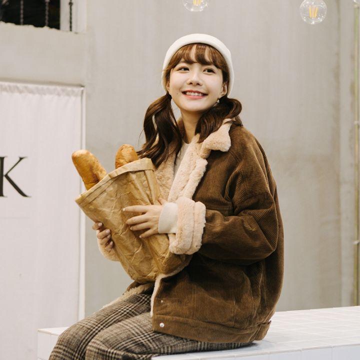 猫柒小姐最新韩系短款高仿兔绒灯芯绒外套不掉毛水平超好